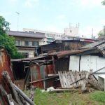 空き家が台風の影響で…。